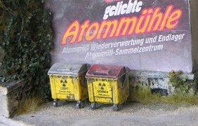 Thorium und Uran: Grauer Deckel. Plutonium: Roter Deckel. Merkt euch das endlich!